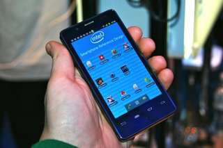 Intel Medfield Atom Android smartphone pictures and hands-on