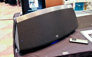 Altec Lansing Live 5000 wirelessly beams in