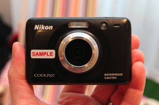nikon coolpix s30 pictures and hands on  image 2