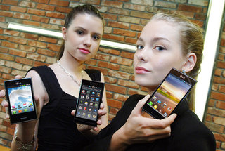 LG Optimus L3, L5, L7 smartphones emphasise design