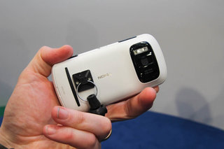 nokia 808 pureview pictures and hands on image 6