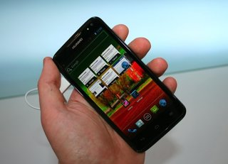 Huawei Ascend D quad pictures and hands-on