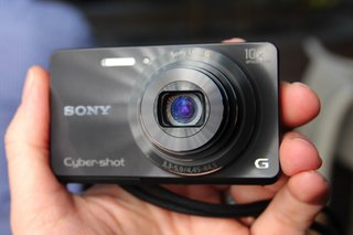 sony cyber shot w690 pictures and hands on image 3