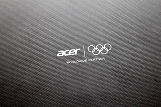 acer iconia tab a510 olympic edition pictures and hands on image 2