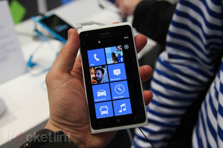 Nokia: Big screen phones are stupid