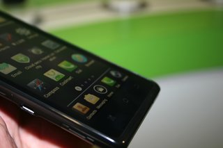 coolpad 7990 pictures and hands on image 3