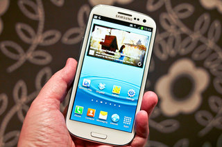 hands on samsung galaxy s iii review image 1