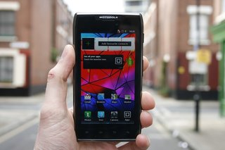 Motorola RAZR MAXX pictures and hands-on