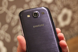 Samsung explains Galaxy S III delays - newly invented colour to blame