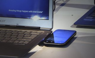 Intel Wireless Charging: Wireless Phone to Ultrabook charging