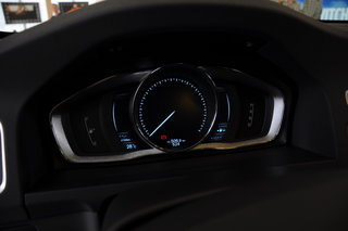 volvo v60 plug in hybrid pictures and hands on image 24