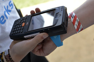 barclaycard payband at wireless 2012 we test the cashless festival concept image 4