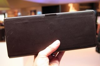 philips fidelio portable speaker pictures and hands on image 4