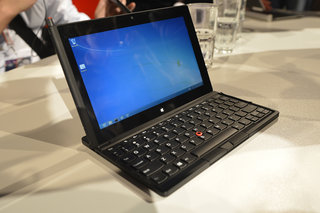 lenovo thinkpad tablet 2 pictures and hands on image 3