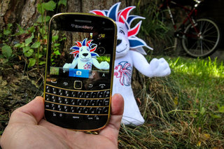 Limited Edition Gold Bold 9900 pictures and hands-on