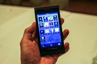 BlackBerry 10 detailed; Flow, Peek and Hub the new buzz words