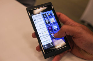 blackberry 10 and the alpha dev b pictures and hands on image 20