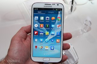 Samsung Galaxy Note 2 available a day early from Stratford flagship store