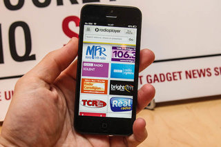 Radioplayer goes mobile, brings hundreds of radio stations to your phone
