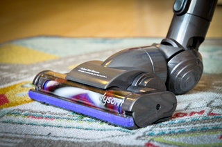 hands on dyson dc44 animal review image 23