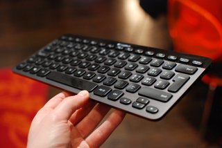 logitech windows 8 keyboards k810 g710 and washable k310 pictures and hands on image 2