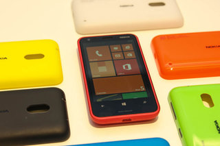 Nokia Lumia 620 pictures and hands-on