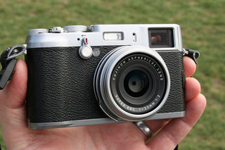 Fujifilm X200 high-end compact camera for CES 2013 reveal?