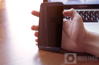 Samsung Galaxy S4 detailed in hands-on video, shame it's make believe