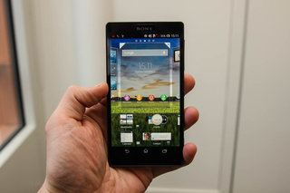 sony xperia zl official ditches xperia z waterproofing and design we go hands on image 10