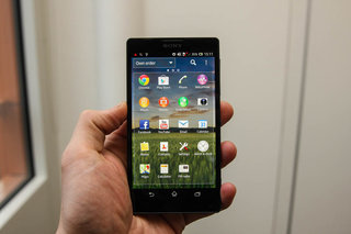 sony xperia zl official ditches xperia z waterproofing and design we go hands on image 11