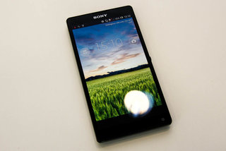 sony xperia zl official ditches xperia z waterproofing and design we go hands on image 2