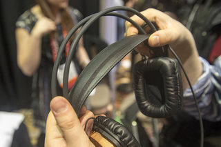 griffin woodtones over ear headphones pictures and hands on image 5