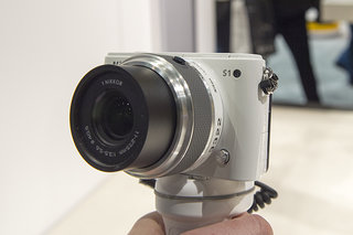 Nikon 1 S1 pictures and hands-on