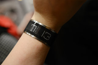 cst 01 e ink watch is world s thinnest pictures and hands on image 5