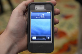 Otterbox Defender iPhone charger case pictures and hands-on