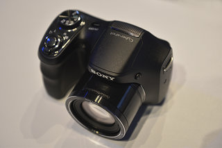 Sony Cyber-shot H200 superzoom pictures and hands-on