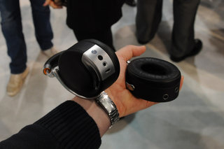 Parrot Zik by Starck pictures and hands-on