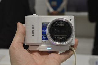 Samsung WB800F pictures and hands-on