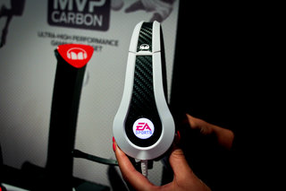 ea sports mvp carbon by monster headphones pictures and hands on image 3