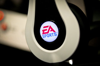 ea sports mvp carbon by monster headphones pictures and hands on image 7