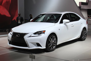 Lexus IS pictures and hands-on (video)