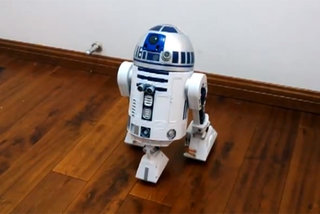 Star Wars fan uses Raspberry Pi to build working R2-D2 (video)