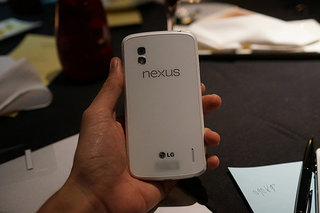 White Nexus 4 hands-on pictures appear online