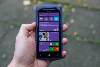 Vodafone to start selling Windows Phone 8 phones from 6 February