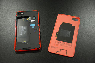red blackberry z10 limited edition pictures and hands on image 4