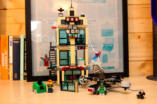 lego spider man daily bugle showdown pictures and hands on image 4