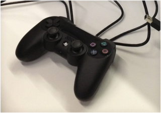 Another photo of the PlayStation 4 controller with touchpad leaked