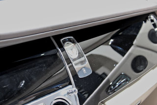 rolls royce wraith pictures and hands on image 15