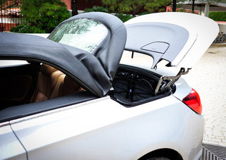 hands on vauxhall cascada review image 17