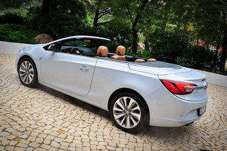 hands on vauxhall cascada review image 9